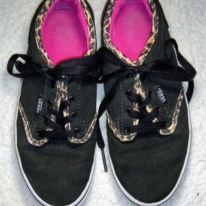GUC Low Top Vans Black & Leopard, Missy Size 3